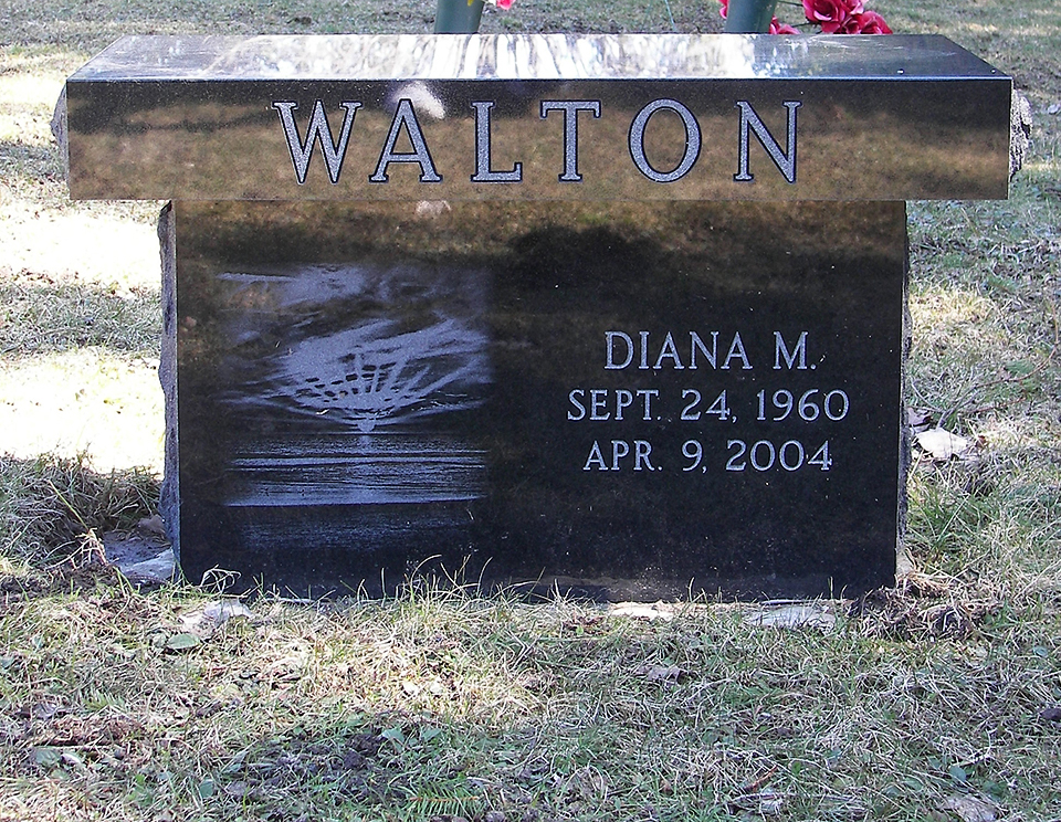 Walton-black-bench-memorial.jpg