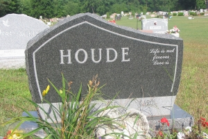 Houde-special-shape-cremains-headstone