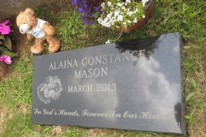 black-granite-marker-for-Mason