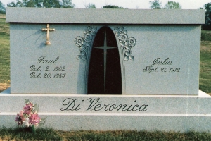 DiVeronica-2-crypt-mausoleum