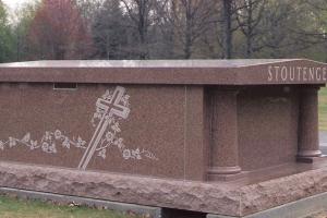 Stoutenger 2 crypt mausoleum.jpg